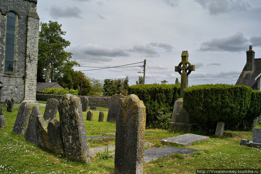 Кельтское кладбище при Соборе Св.Кэйниса.