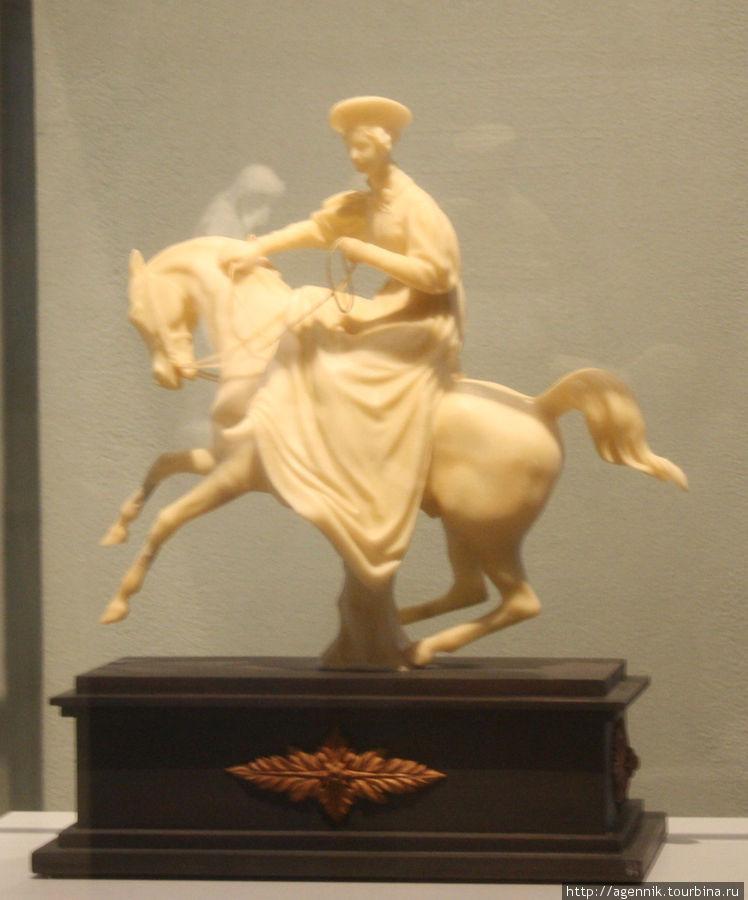 Восковая скульптура Марии Федоровны