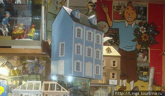 Влюбом магазине игрушек: магниты, фигурки, игры, комиксы о Тантене и других персонажах этого всемирно известного цикла комиксов.
