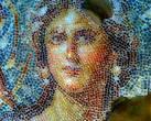 Главная достопримечательность — мозаика III в., прекрасная женщина —  апогей мозаичного искусства, получившая прозвище «Мона Лиза Галилеи» или «Венера из Ципори».