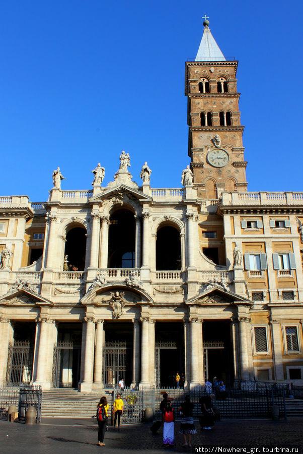 Санта-Мария-Маджоре. Передний фасад