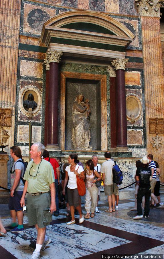 Ниша Рафаэля в Пантеоне