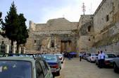 Основная достопримечательность города это Пещера Рождества, величайшая христианская святыня, где родился Иисус Христос. Над пещерой построена Базилика Рождества Христова которая находится на площади Яслей и снаружи больше похожа на небольшую крепость чем на храм. Базилика построена в 326 году при святой Елене. В 529 году церковь была разрушена во время восстания самаритян против Византии. Сразу после подавления восстания император Юстиниан Великий восстановил её и значительно расширил.