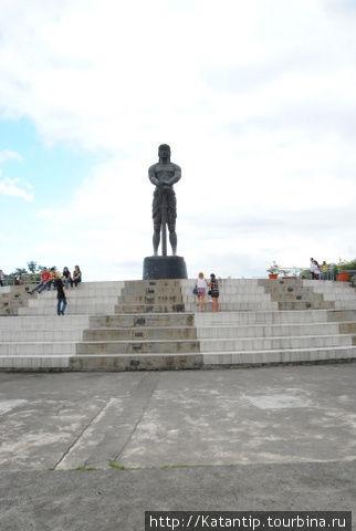 Статуя Лапу-Лапу, Ризал Парк