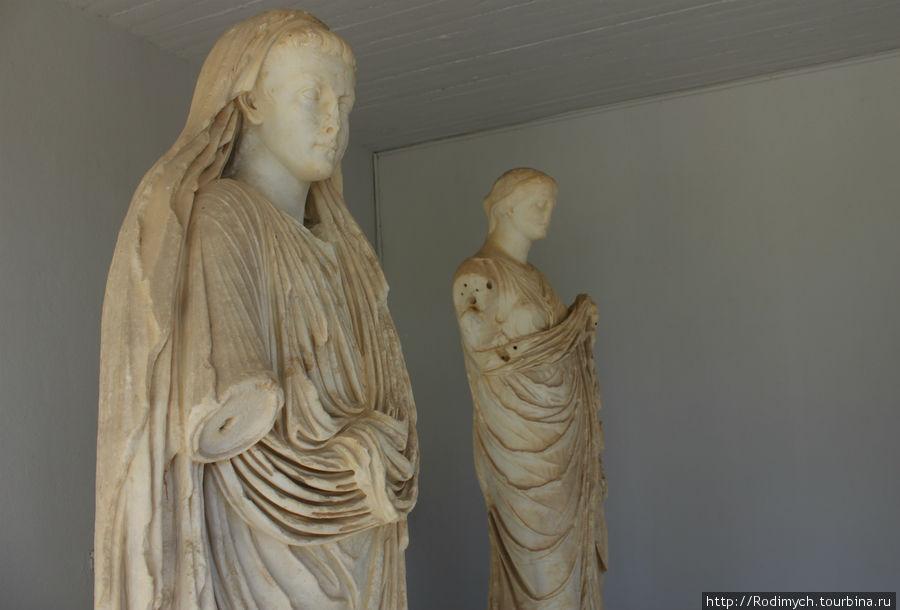 Небольшое собрание уцелевших скульптур