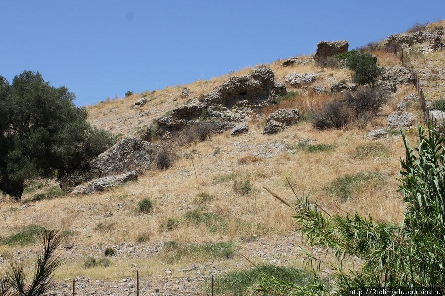 Здесь когда-то был Акрополь