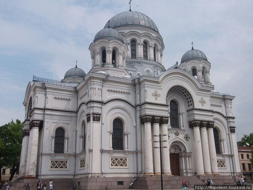 Собор архангела Михаила. Бывший при советах музей витража