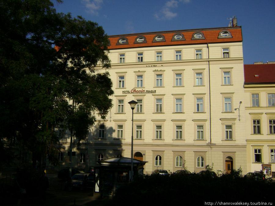 Так выглядит отель со стороны главного ж.д. вокзала