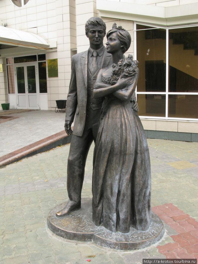 Памятники ханты мансийск загс памятники в хабаровске