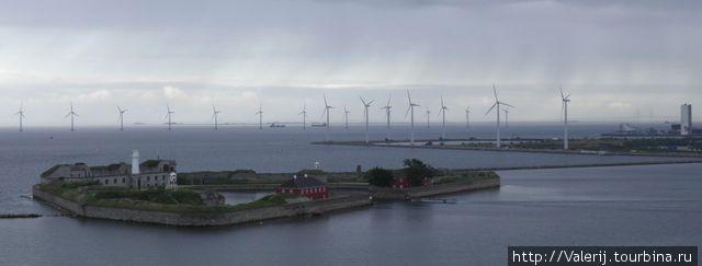 Маяк на выходе из порта Копенгагена