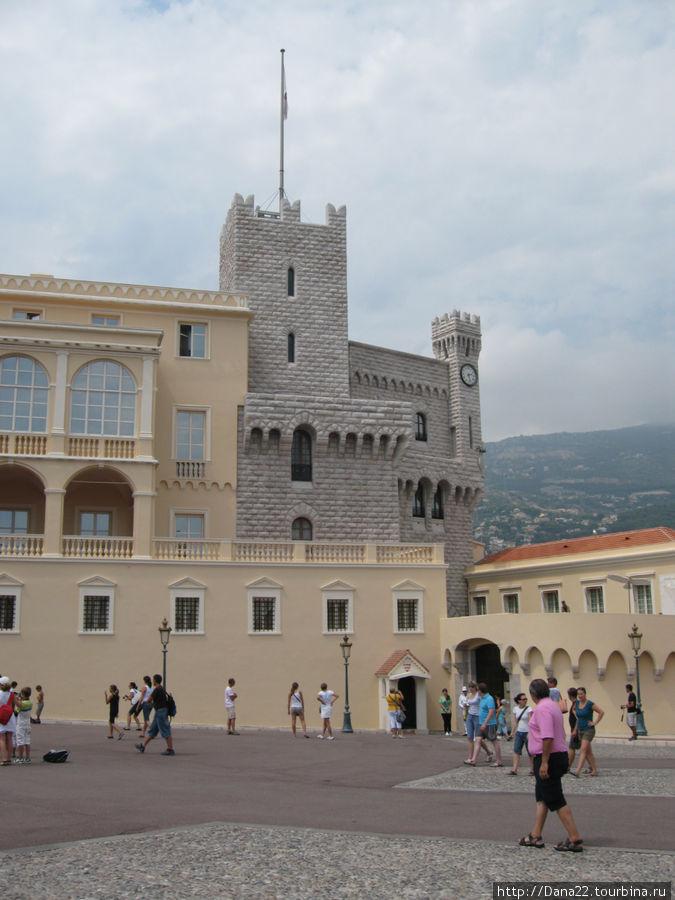 Балкон, с которого князья приветствуют народ.
