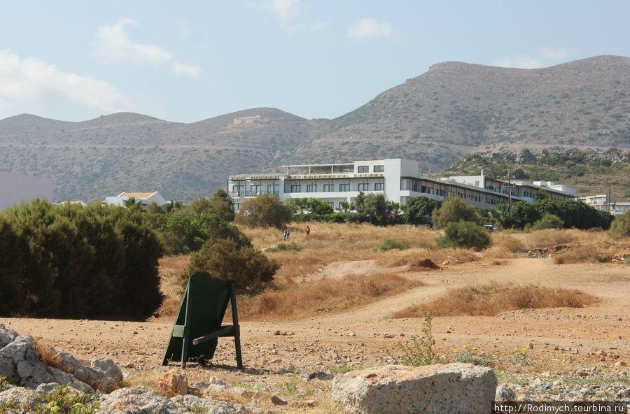 Вид на гостиницу с пляжа