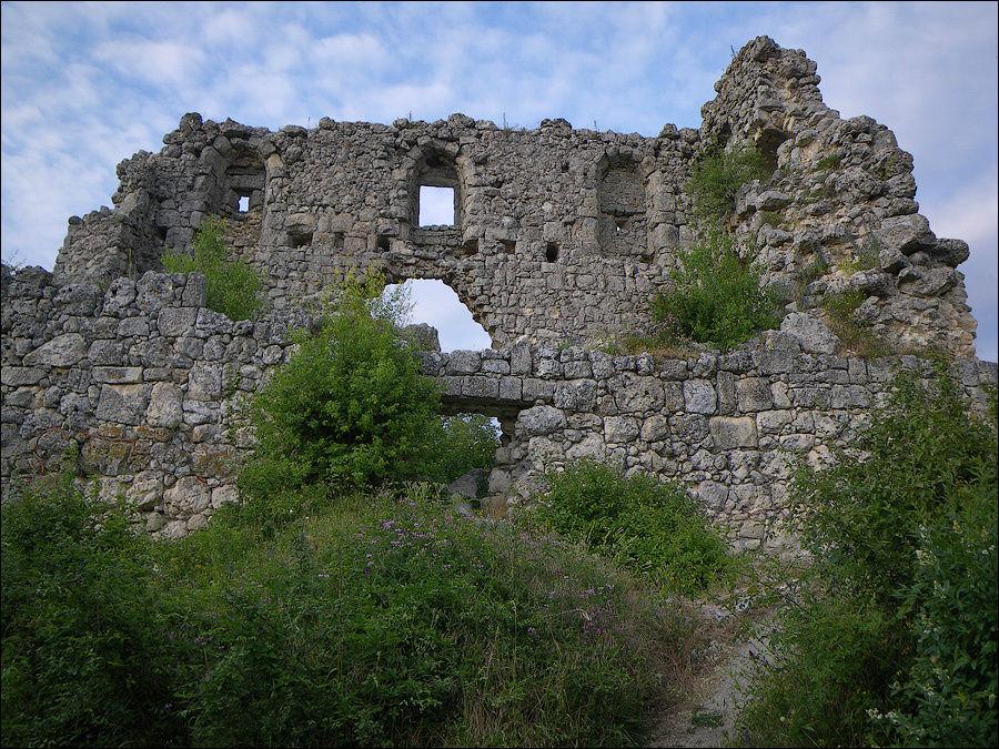 Июнь 2009 г. Внутренняя стена.