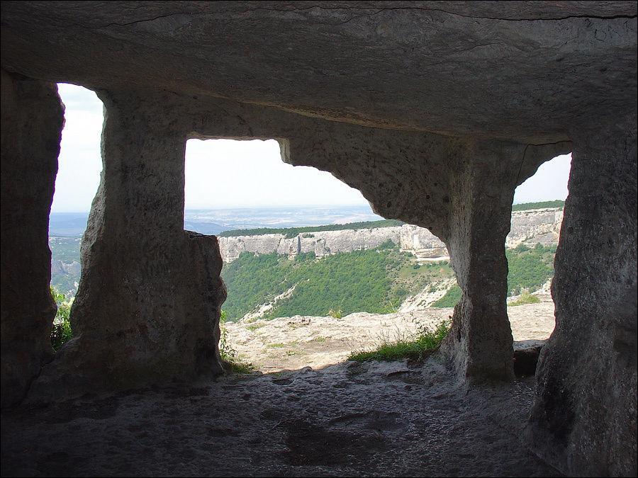 Смежное помещение пещеры