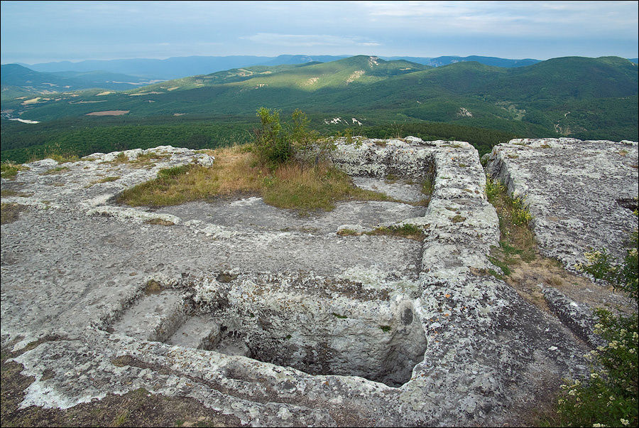 Юго-восточный монастырь, июнь 2009 г.