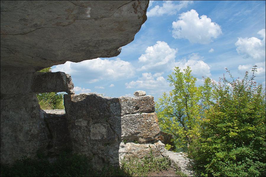 Юго-восточный монастырь, июнь 2006 г.
