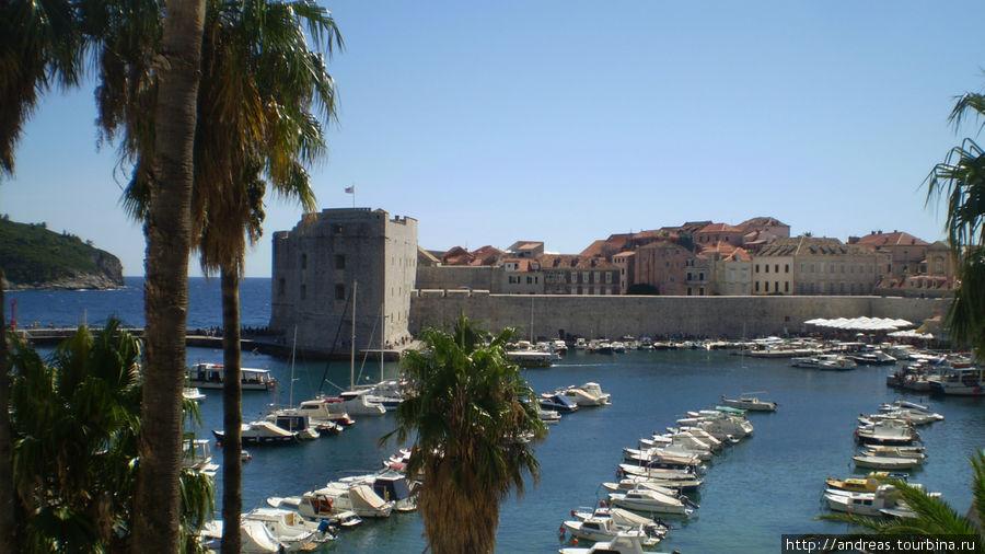 Красивая бухта в Дубровнике