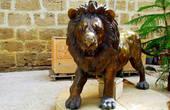 Известна история о том, как Святой Герасим дикого льва приручал. Собственно, лев был тяжело ранен в одном из боев, однако святой излечил его от ран: