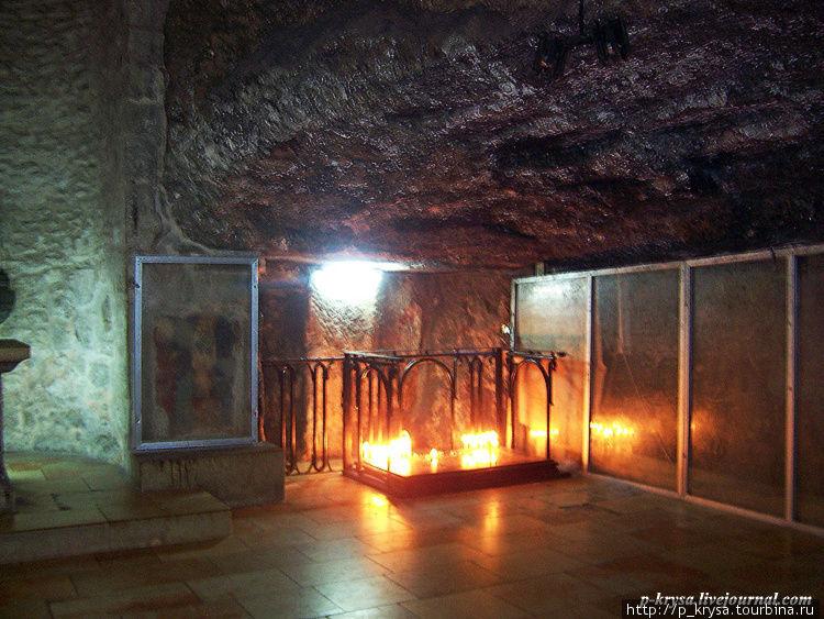 Место Обретения Креста