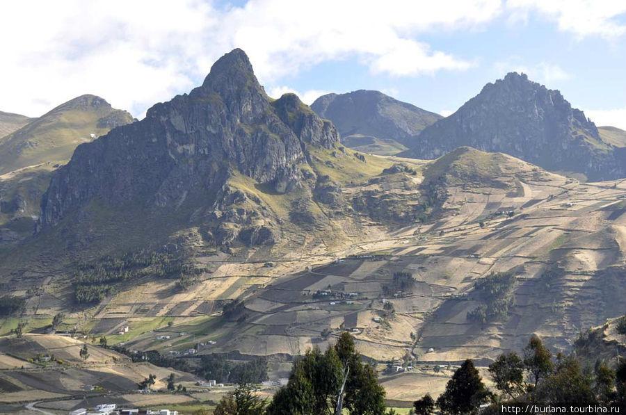 Скалы на пути к Килотоа