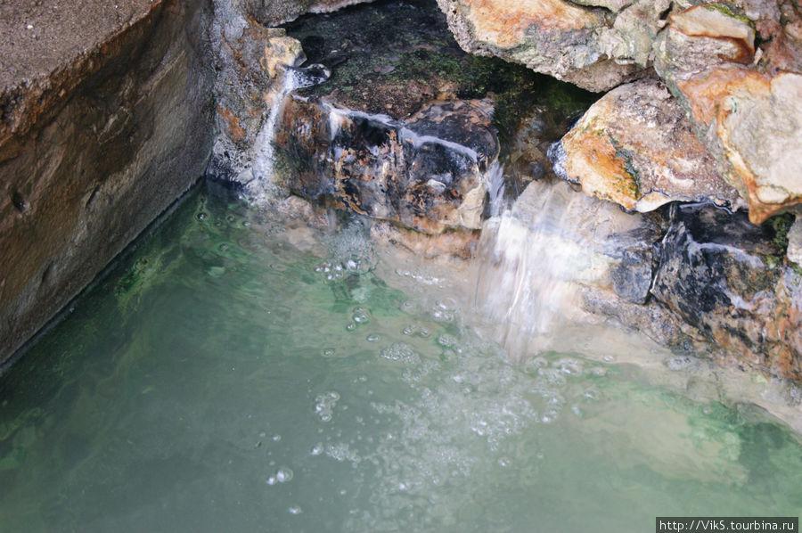 Здесь, у источника наиболее полезная в лечебном отношении вода.