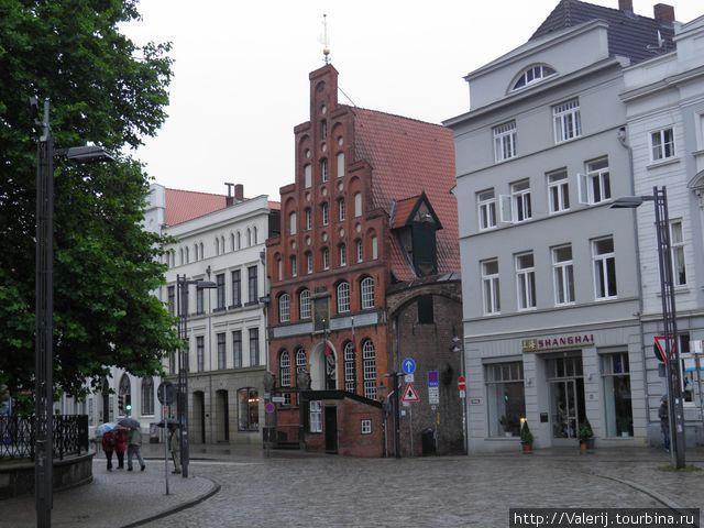 Площадь у собора Святого Якоба.