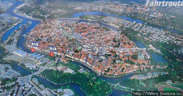 Карта старой части города, омываемой речкой и каналом