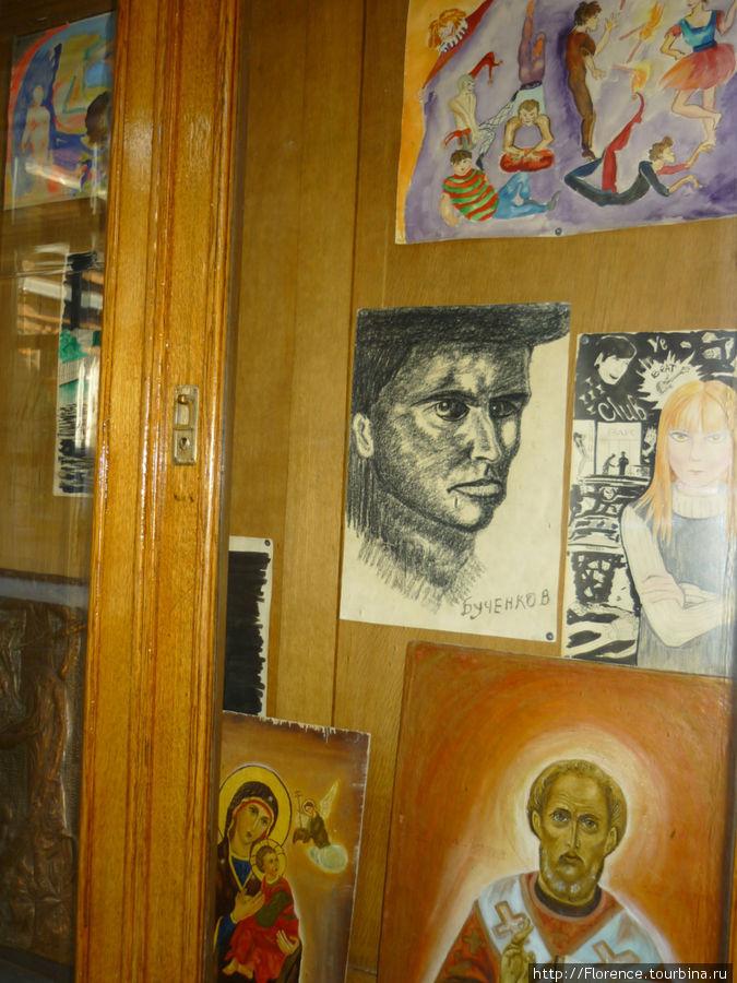 Выставка работ больных
