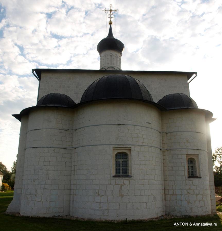 Храм Бориса и Глеба.