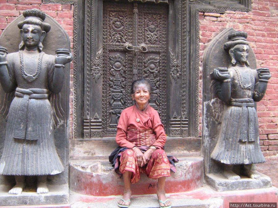 Лица Катманду.