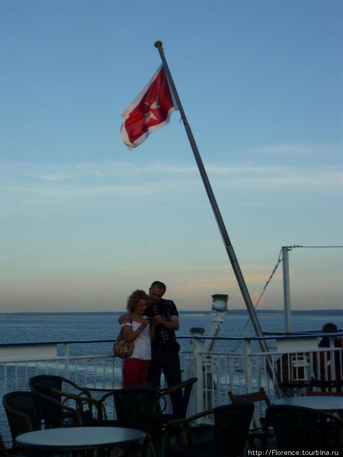 Паром ходит под флагом Ма
