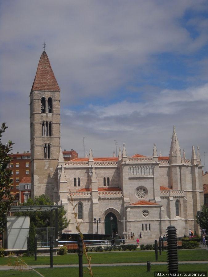 Лучший вид на здание церкви