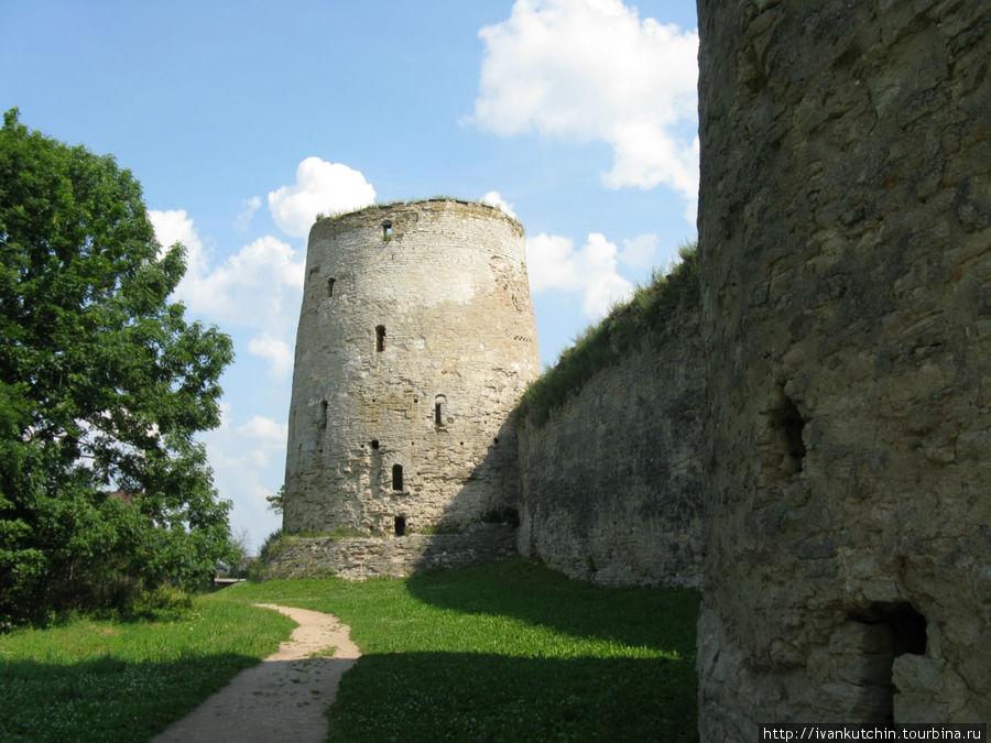 Крепость Изборск. Начало