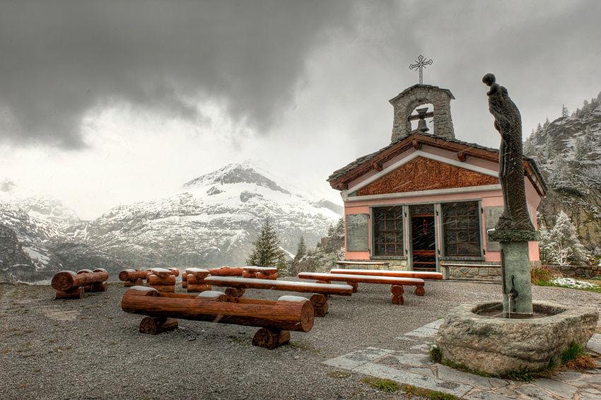 Церковь Notre dame des Neiges (Богородица в снегах)