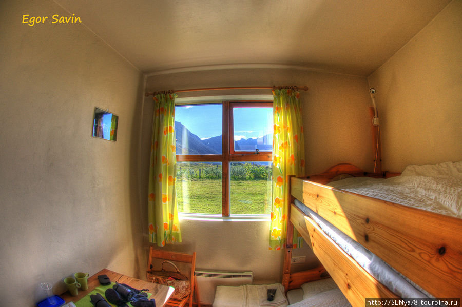 Так понравившийся нам guesthouse Dynjandi — вид из окна