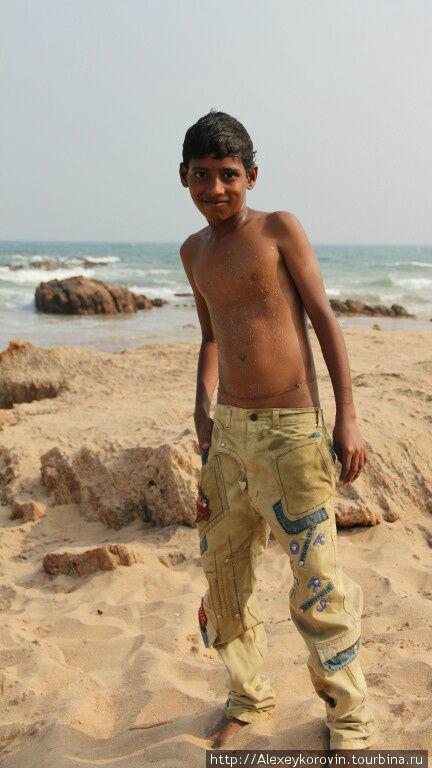 Бенгальский залив, пацаны косят под болливудских актеров