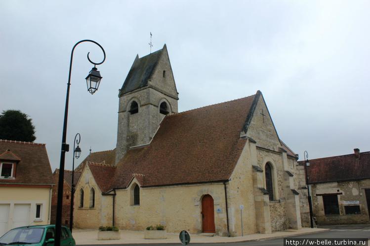 Церковь Сент — Пьер в Фур