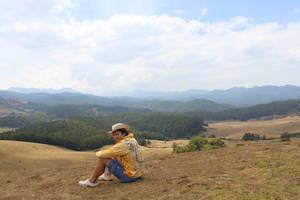 Олег Семичев любуется горными просторами южной Индии