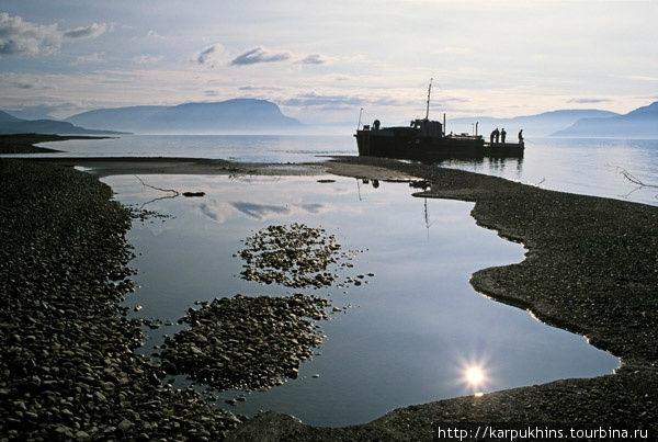От Енисея в озеро Хантайское можно подняться на катере.
