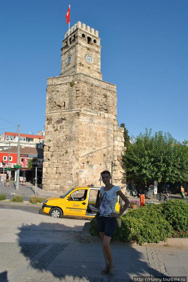 Наш ориентир — Часовая башня Саат Кулеси
