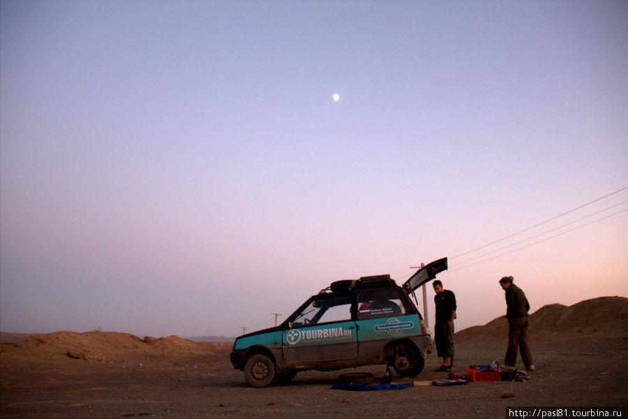 Ремонт в пустыне.