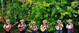 за день до Дня независимости. патриотизм очень свойственен мормонам, как и эти кантри-музыкантам