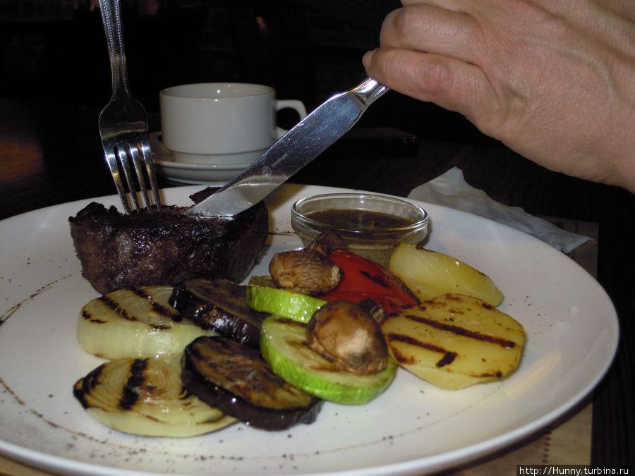 Стейк Гринвич с овощами-гриль
