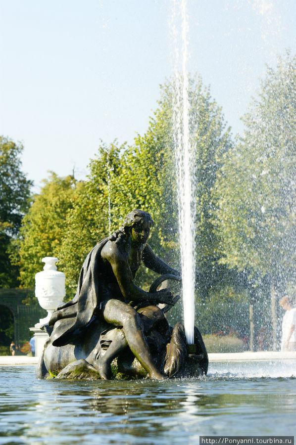 Нескучный парк,сродни Версалю ... Шветцинген, Германия