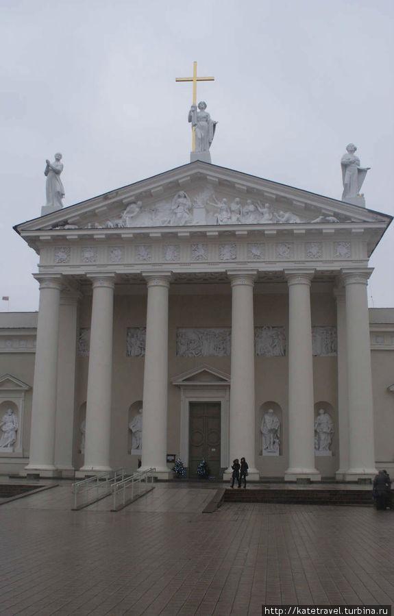 Вильнюсский Кафедральный собор-базилика Св. Станислава и Св. Владислава