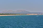 Далекий пляж Палс виден во всей своей длине, ширине и красе...