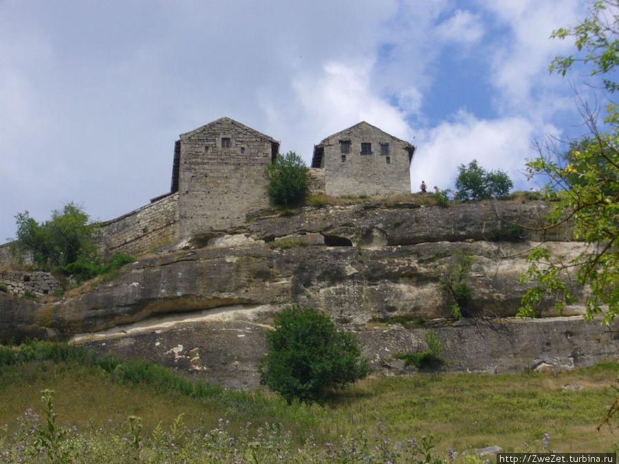 Гора Бурунчак с городом Чуфут-Кале