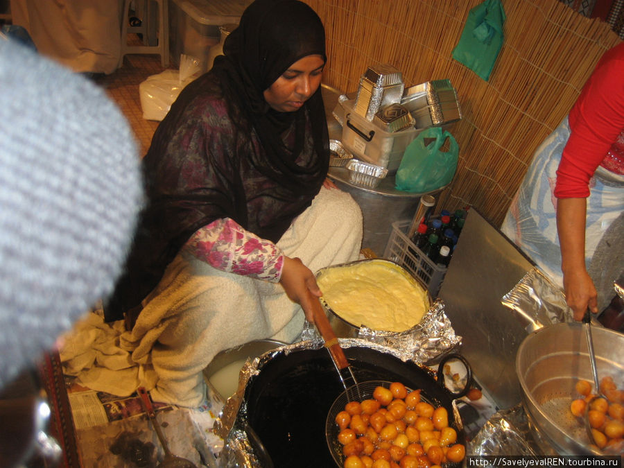 Приготовление национальных блюд происходит прямо у вас на глазах...