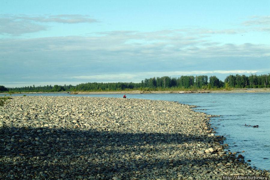 Река в окрестностях городка.