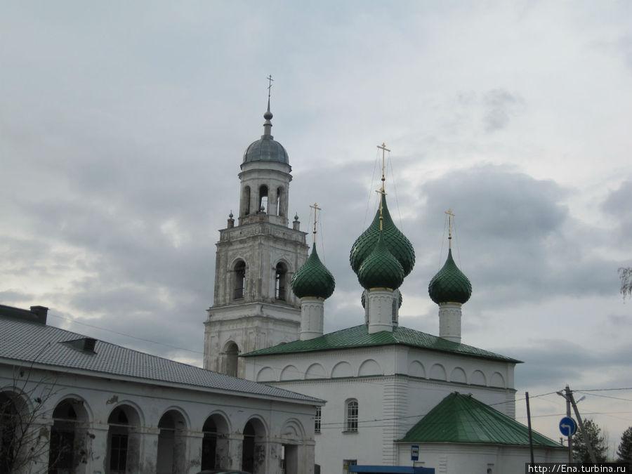 Комплекс Троицкого собора с колокольней и торговых рядов